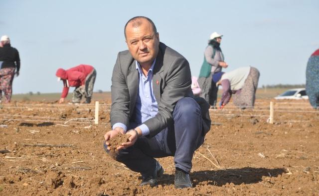 CHP'Lİ VEKİLDEN KARNIYARIKLI ELEŞTİRİ