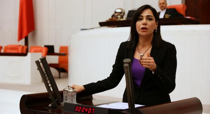 'SAĞLIK EMEKÇİLERİ UMUTSUZ VE MUTSUZDUR'